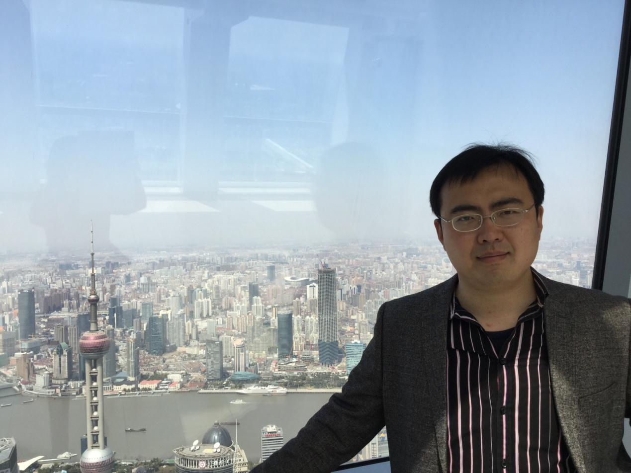 杨林,男,1983年出生,山东烟台人,2015年毕业于上海交通大学,获工学博士学位。研究方向:凝固技术与新材料,铝、镁合金材料成型及控制工程。近年来参与完成:国家重点基础研究(973)项目:新型能源装备中大型锻件均质化热制造的科学基础(No. 2011CB012900);三项国家自然科学基金项目:异质强化形核过程中过冷度与异质相/新相界面行为的相关性(No.